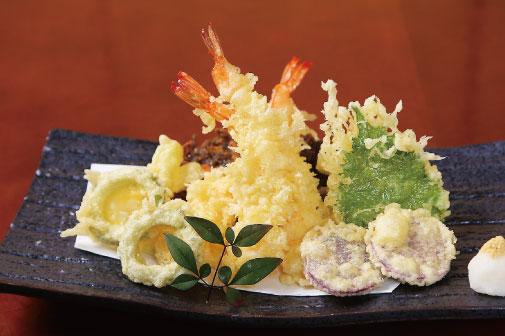 島野菜と海老の天ぷら盛合せの写真