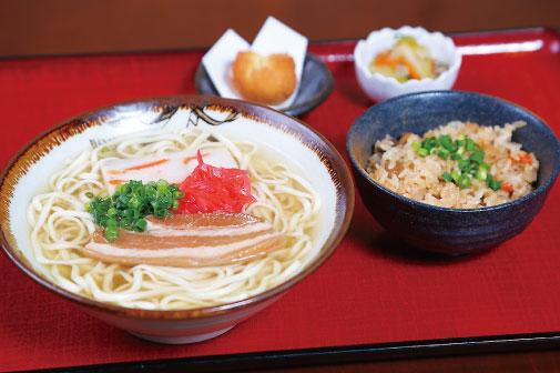 沖縄そば定食の写真